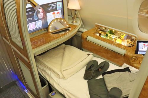世界最大のA380が関空に登場!『エミレーツ航空』のファーストクラスを大公開