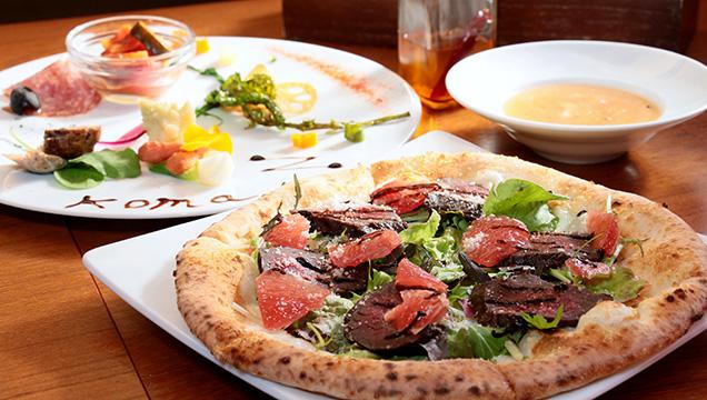 Pizzeria koma 鯨肉のローストとピンクグレープフルーツのサラダピッツァ