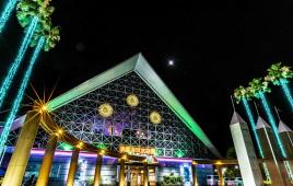 幻想的な空間に!GW10日間限定で神戸・水族館「スマスイ」が開園時間を4時間延長