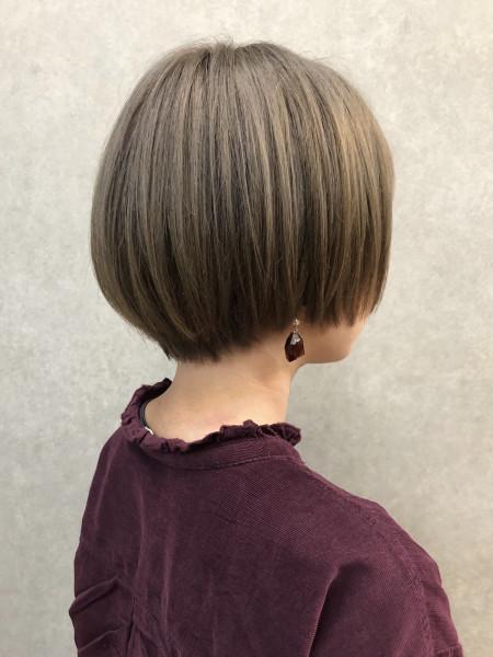 髪の毛 多い ショート