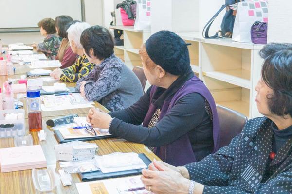 高齢者化粧教室-5
