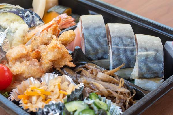 鯖寿司-20043011