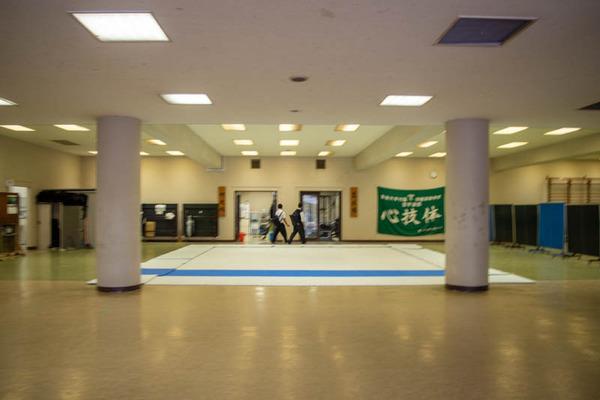 高校-2010081-6