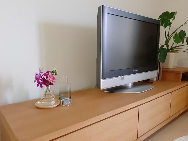 テレビボードの画像